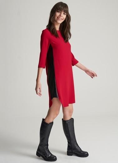 Agenda Yanları Deri Detalı Elbise Kırmızı